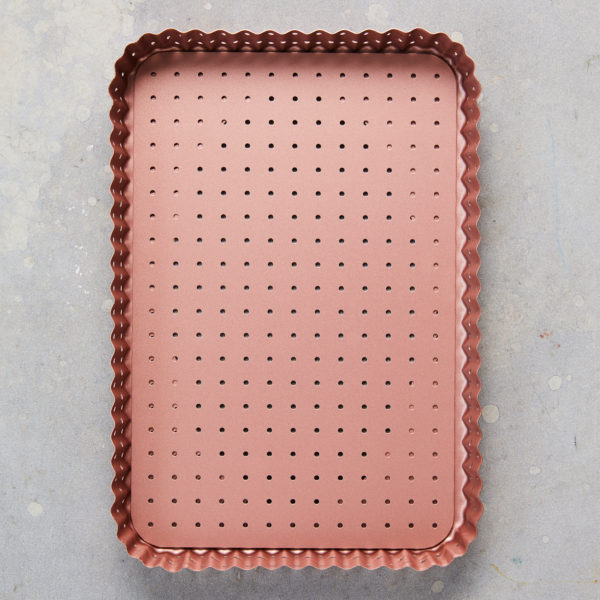WI 40717 Perforated LG Rectangle Pan